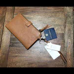 Lucky Brand Rayla Single Brown Leather Wristlet.